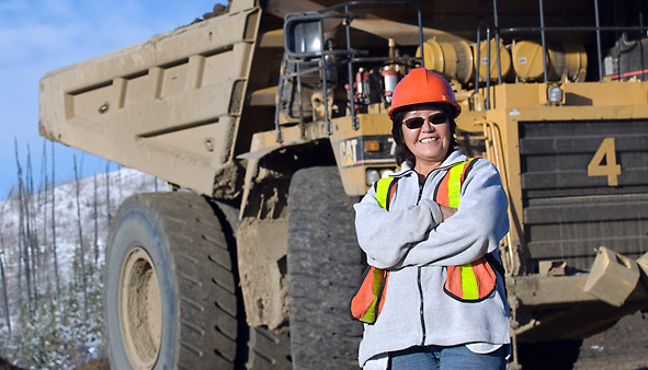 H611-Heavy-Equip-Operator-02975_RC